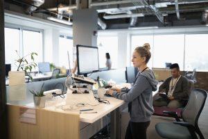 4 Benefits of Standing Desks for Office Workers